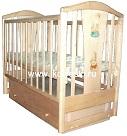 Детская кроватка для новорожденных Аленка А631, универсальный маятник (продольный и поперечный, 2 в 1),  закрытый ящик, опускающаяся стенка, 2 уровня ложа, толстая спинка с аппликацией, натуральный массив карельской сосны, цвет НАТУРАЛЬНЫЙ