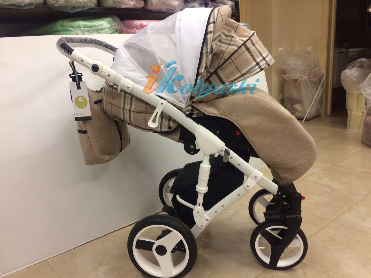 Коляска для новорожденных Little Trek Avenir ,  в прогулочном блоке колпак на лето раскрывается для вентиляции, в него вшита анти москитная сетка