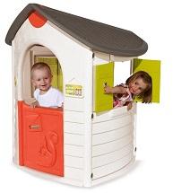 Детский игровой пластиковый Домик Smoby с прорезью для почты и ставнями с сердечками, артикул 310147, размер 112х110х130 см. Для игр на открытом воздухе и внутри помещения. Для детей от 2 лет.