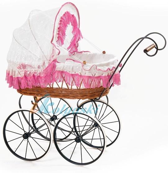 Кукольная коляска в английском ретро стиле, люлька с плетеной корзиной из натуральной лозы, G-Z Retro. В ассортименте есть коляска для кукол с голубыми, бежевыми, красными или розовыми оборками. Размер люльки 50 см. Габариты 60х42 см.