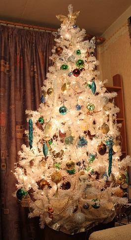 Новогоднее елочное украшение цепь, бусы на елку многогранник, 8 мм, 2,7 м, 2 цвета, артикул е6099, snowmen