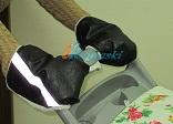 Зимняя муфта-варежки ЛАПЛАНДИЯ ЭКО-КОЖА, ВАРЕЖКИ для коляски С ЦЕЛЬНОЙ РУЧКОЙ И КЛАВИШЕЙ СЛОЖЕНИЯ С РУЧКИ, МУФТА НА КОЛЯСКУ ДЛЯ ДВОЙНИ, специальный крой, варежки на ручки детских колясок, натуральная шерсть, цвет ЧЕРНЫЙ